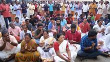 Activistas atrapadas y protestas para vetar el acceso de las mujeres a un templo indio
