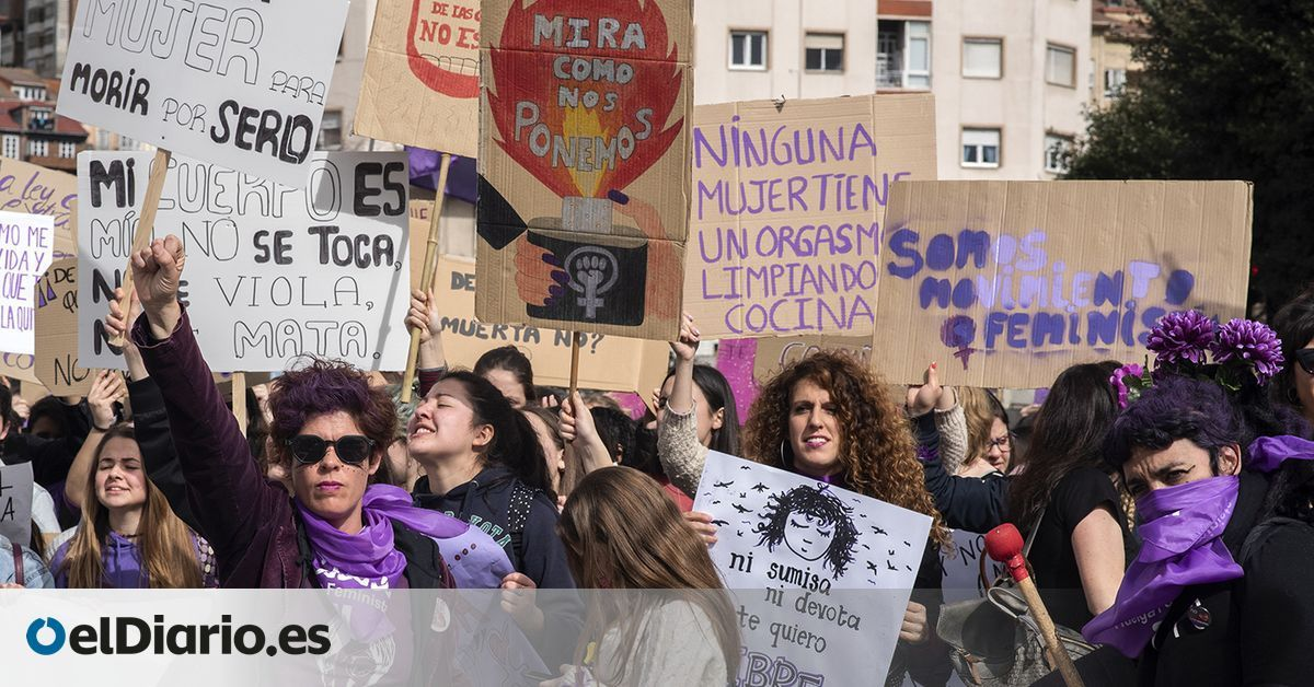 FOTOGALERÍA | La huelga feminista del 8M tiñe de morado las