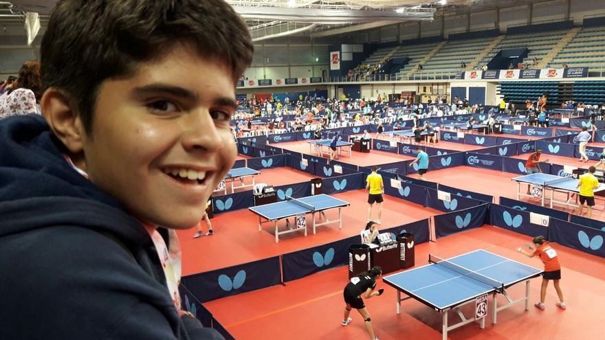 Javier en el Campeonato de Tenis de Mesa Alevín Federado en Almería.