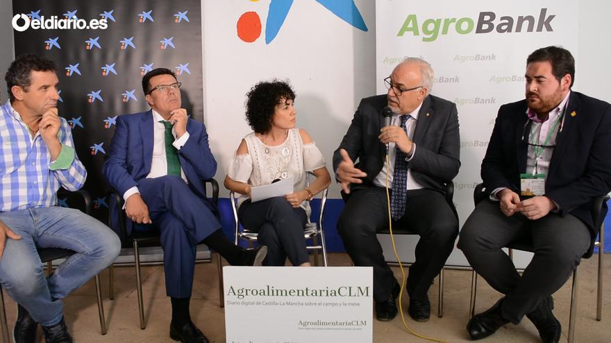 De izquierda a derecha Pedro José Martín Zarco, Arturo Tienza, Pilar Virtudes, Julián Nieva y Pablo Camacho