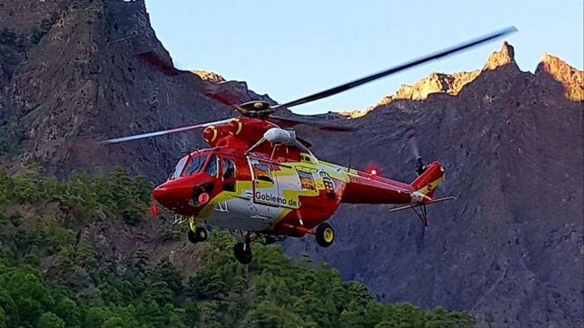 Imagen de archivo de un rescate del helicóptero del GES en la Caldera de Taburiente.