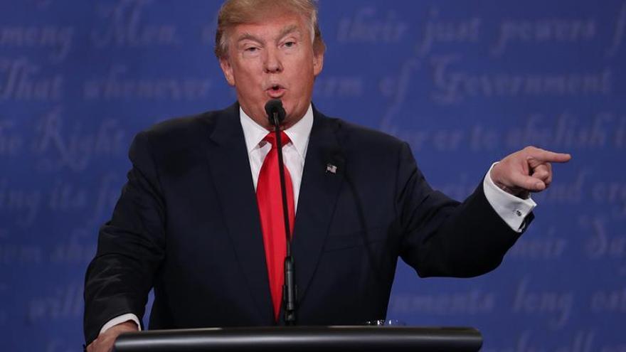 Trump acusa Clinton de estar detrás de las acusaciones de abuso sexual contra él