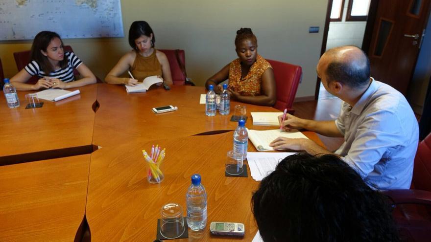 Rosebell Kagumire en un encuentro con periodistas canarias