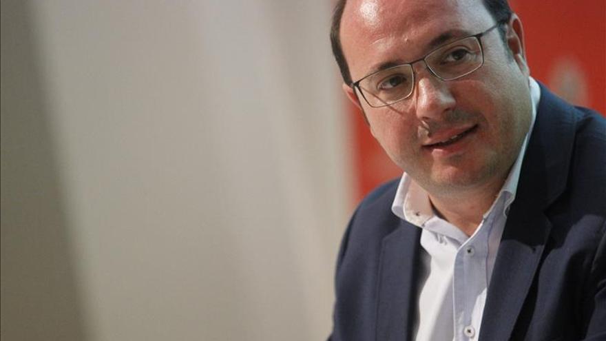 El presidente de Murcia cree que la militancia tiene que ganar decisión en el PP