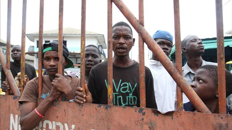 Los casos de ébola en Guinea y Sierra Leona en el nivel más bajo desde el inicio de año