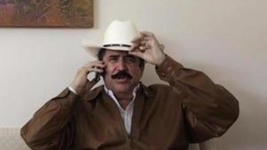 Manuel Zelaya y su inseparable sombrero. (EP)