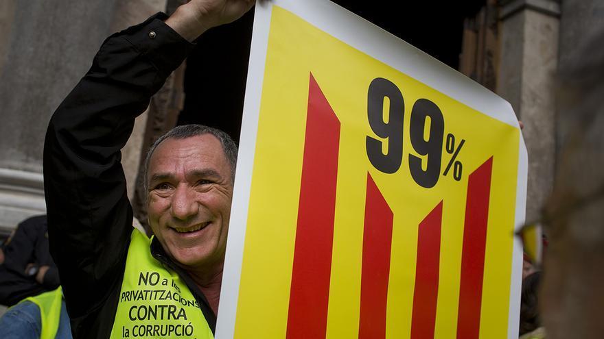 Los Iaioflautas celebran su primer aniversario reivindicando una República Catalana del 99% / Edu Bayer