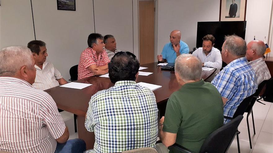 Reunión de la directiva de Aspa con cargos públicos del Gobierno de Canarias.
