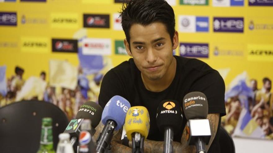 Sergio Araujo durante una rueda de prensa en Maspalomas. (Twitter oficial UD Las Palmas).