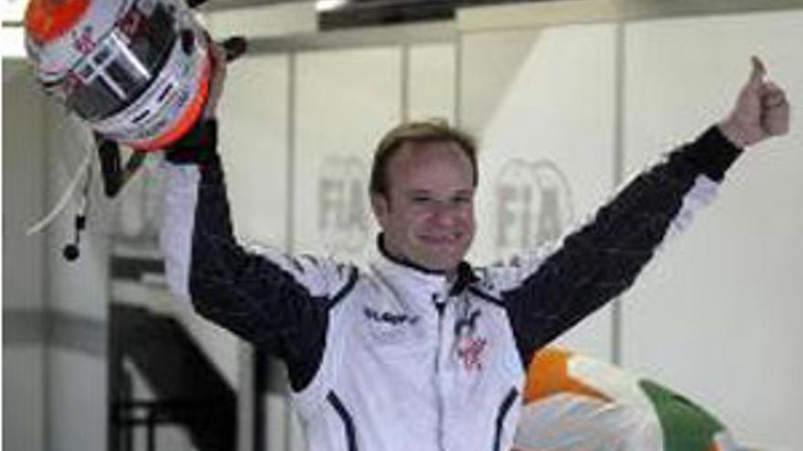 Rubens Barrichello celebra la 'pole'. (REUTERS)