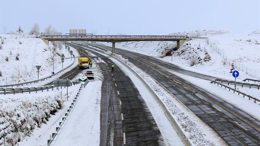 Vista de la autovía A 23 a su paso por Teruel. EFE