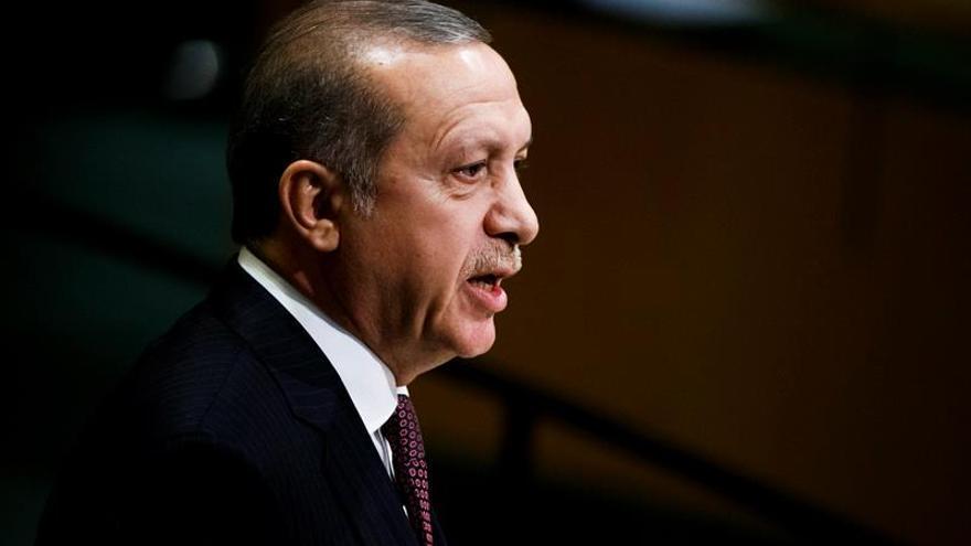Erdogan acusa a Alemania de proteger a terroristas y golpistas