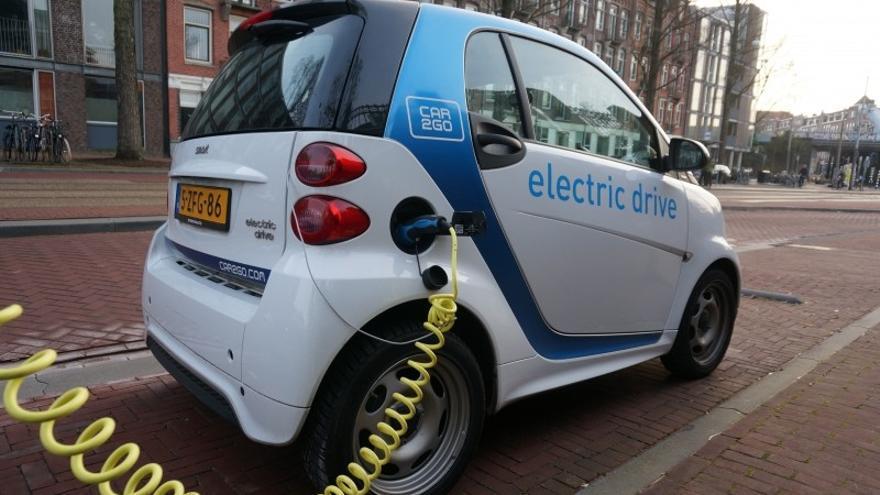 Los componentes de las baterías de ión litio de los coches eléctricos pueden causar daños ambientales