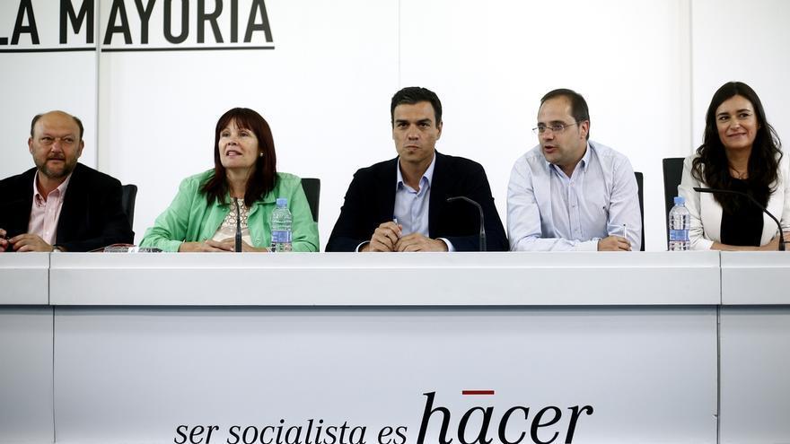 Sánchez continuará las hoy reuniones con sus 'barones' tras ver ayer a Gabilondo y Armengol