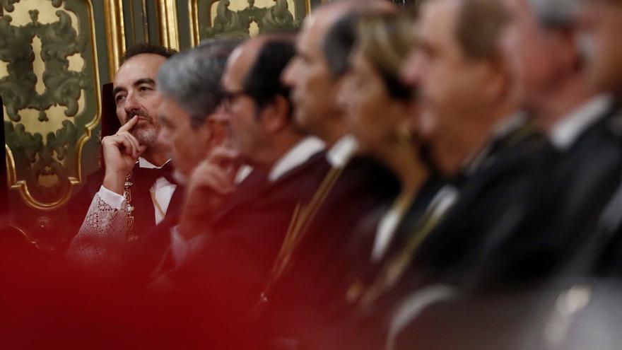 El presidente de la Sala Segunda del Supremo, Manuel Marchena, junto a otros magistrados del tribunal en un acto oficial