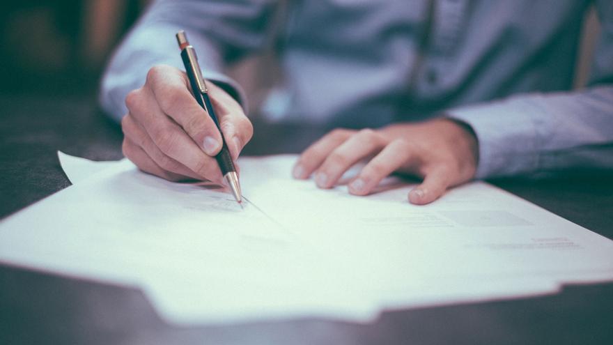 Las cláusulas hipotecarias agresivas pueden llegar a ser de obligado cumplimiento si el cliente las acepta ante notario.