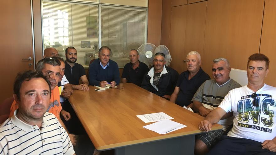 Reunión de marineros de Puerto del Rosario.