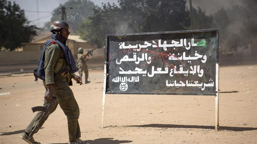 Diez militares malienses muertos y 15 desaparecidos en choques con yihadistas