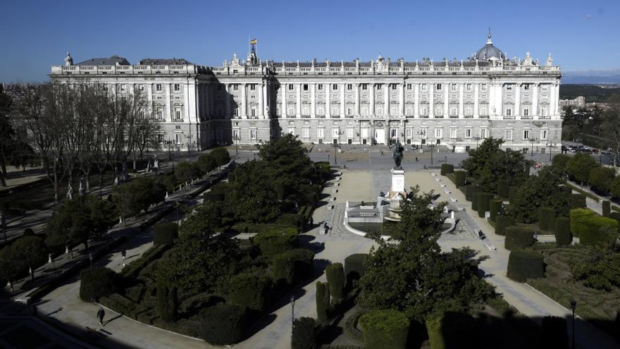 Exterior del Teatro Real el día de la presentación de una nueva entrega de la campaña 'Spain for Sure, en el Café de Palacio del Teatro Real, Madrid, (España), a 18 de marzo de 2021.