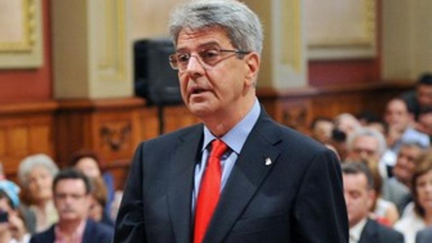 Julio Pérez, en su toma de posesión en el Ayuntamiento santacrucero.