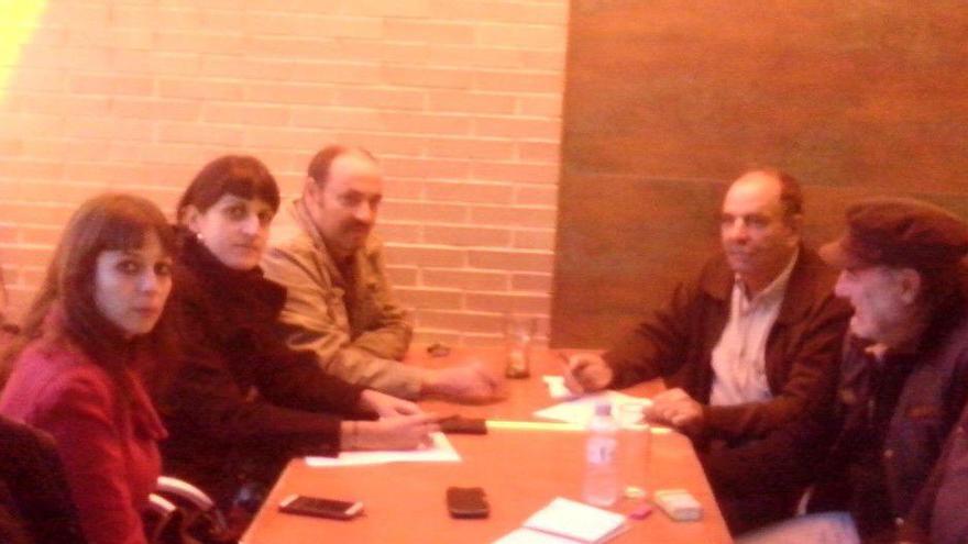 Imagen de la reunión de urgencia celebrada ayer por el Consejo Ciudadano de Podemos Huesca