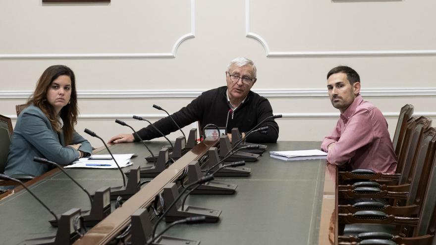 El alcalde València, Joan Ribó, junto a la vicealcaldesa, Sandra Gómez, y el vicealcalde, Sergi Campillo