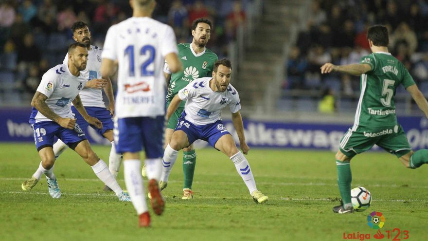 Partido entre el Tenerife y el Oviedo