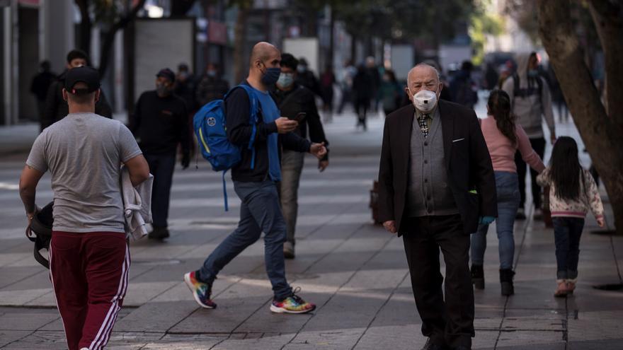 El desempleo en Chile baja levemente a 10,2 % en abril, en el pico de pandemia