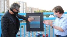 """Tres canciones de Alejandro Sanz sobre un puente costaron 50.000 euros al Gobierno de Almeida, que explica: """"Es promoción turística"""""""
