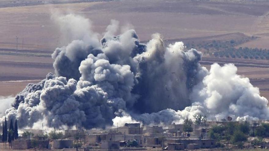 Siria denuncia un ataque de la coalición contra el EI con cientos de muertos
