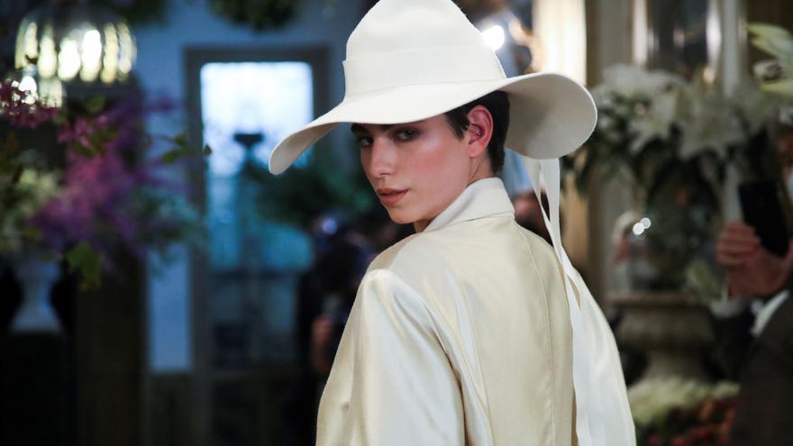 Las prendas intercambiables de Juanjo Oliva para enriquecer el armario femenino