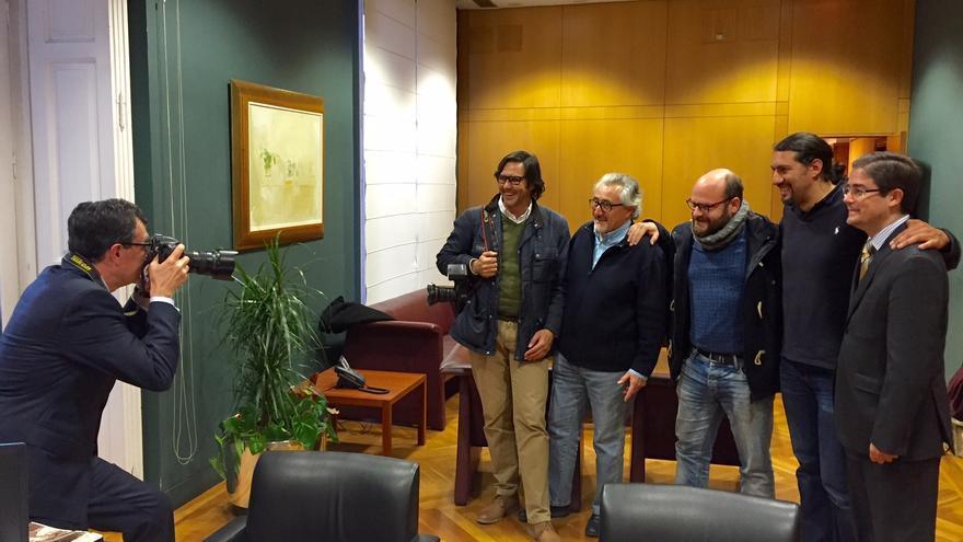 José Ballesta, Alcalde de Murcia, con la directiva de la Asociación de Informadores Gráficos