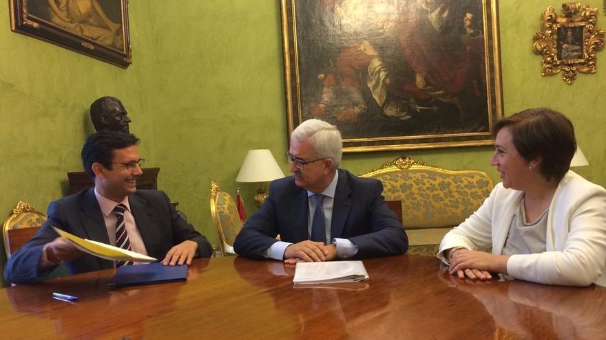 La Junta destina 5,7 millones de euros a planes de empleo en la ciudad