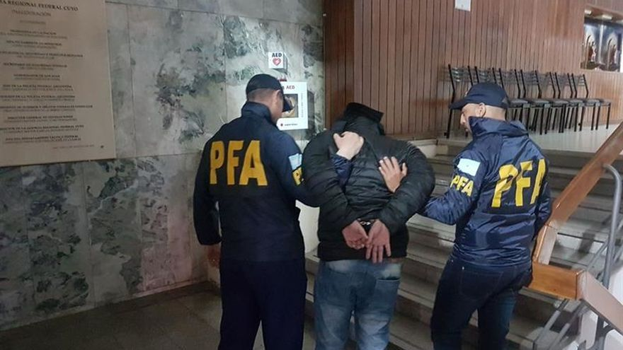 Exconcejal español detenido en Argentina se operó para cambiar su aspecto