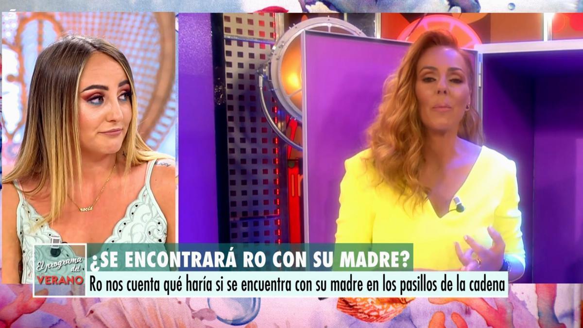 Rocío Flores (izquierda) en 'El programa de AR'