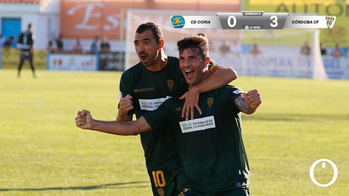 Willy Ledesma y De las Cuevas celebran un gol