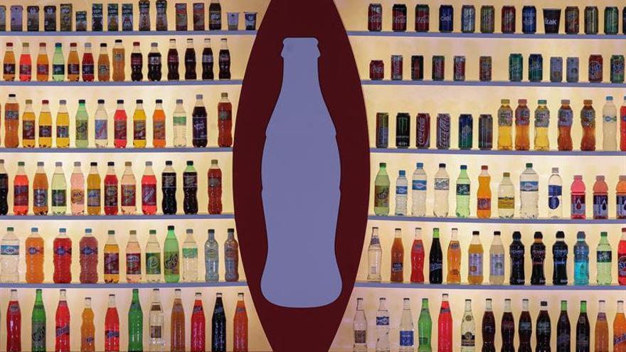 Coca Cola reestructura actividad en China y cede el embotellado a franquicias