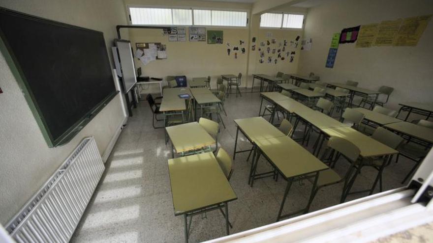 Desalojan el IES Sanje de Alcantarilla tras tener algunos alumnos problemas para respirar