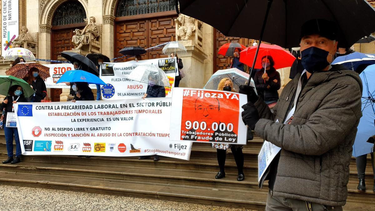 Concentración de interinos en el Paraninfo de Zaragoza el pasado domingo
