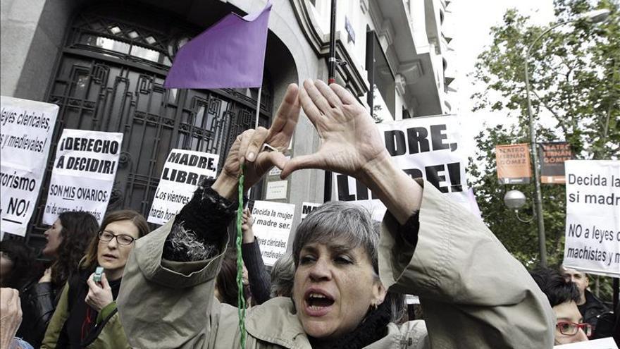 El 44 por ciento de los españoles ve aceptable el aborto frente al 39 por ciento que lo rechaza