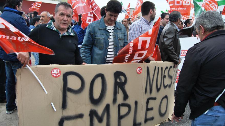 Protesta en defensa del empleo en la mayor cooperativa de Extremadura