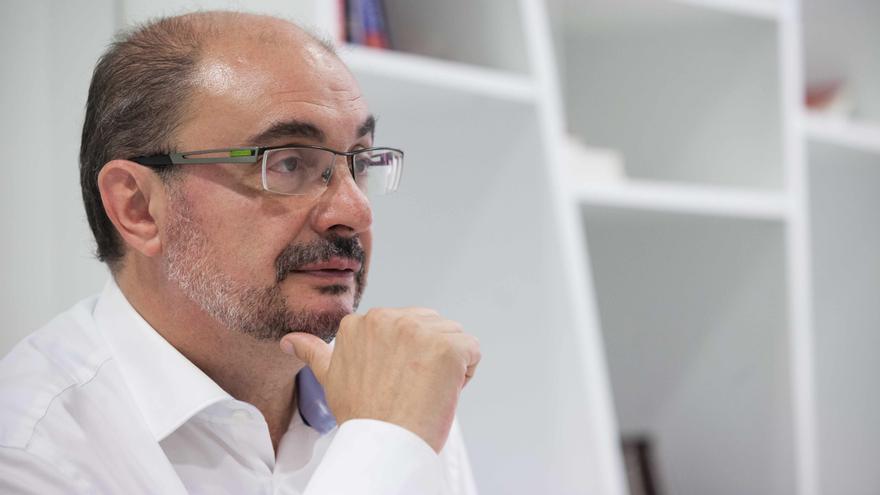 Javier Lambán en la sede del PSOE de Aragón. Foto: Juan Manzanara