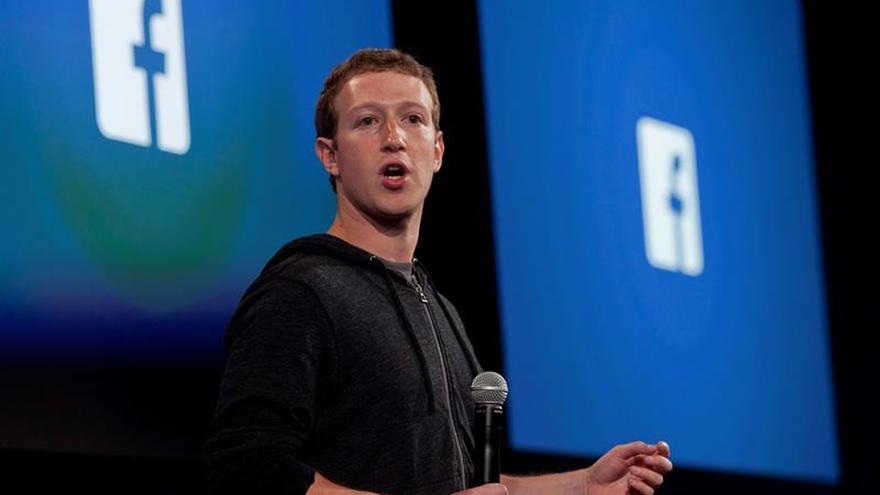 Fotografía de archivo de abril de 2013, del cofundador y CEO de Facebook, Mark Zuckerberg.
