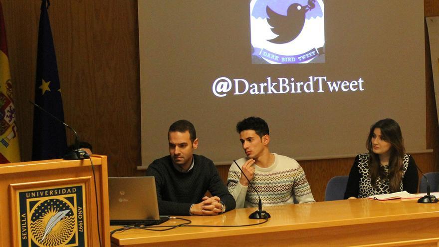 Presentación en la UPO de 'Dark Bird Tweet'.