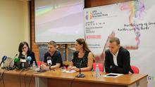 Presentación oficial de la muestra, con el concejal de Turismo de Arona, David Pérez (segundo por la derecha)