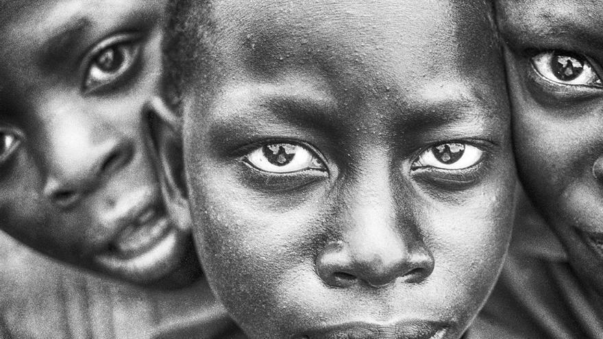 Niños ruandeses en Kigali. | JAVIER RODRÍGUEZ