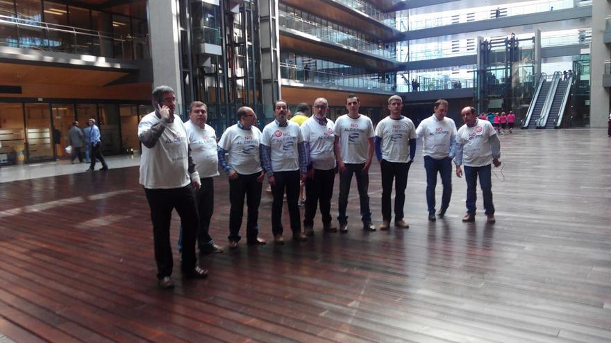 Representantes sindicales de Elcogas en la sede de Endesa / CCOO