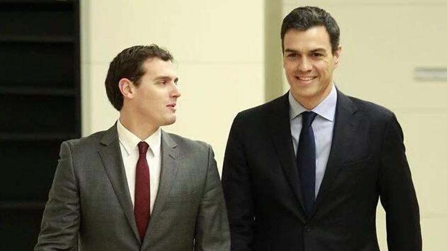 Sánchez y Rivera en una de sus reuniones para negociar el gobierno