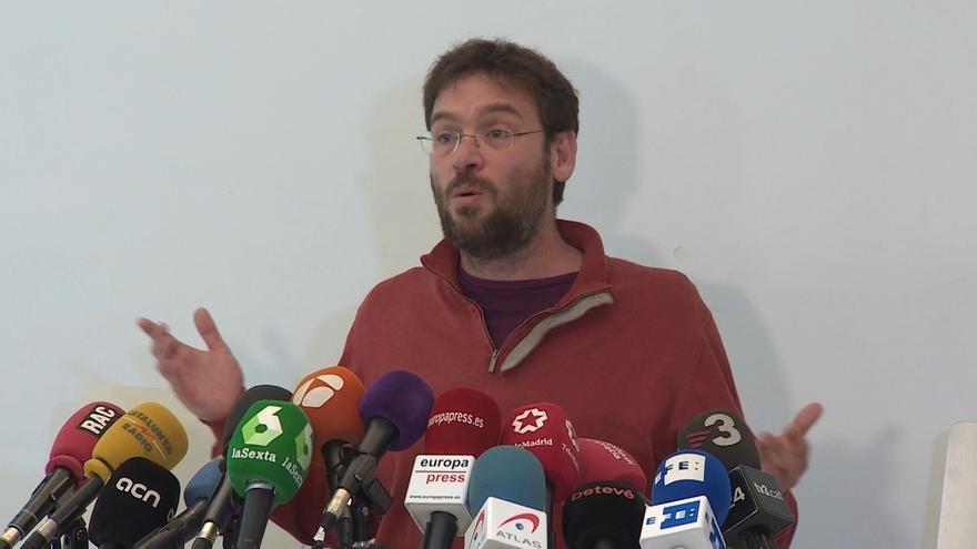 """Fachin ve intolerable que Forcadell pueda dormir en prisión en un país gobernado por """"ladrones"""""""