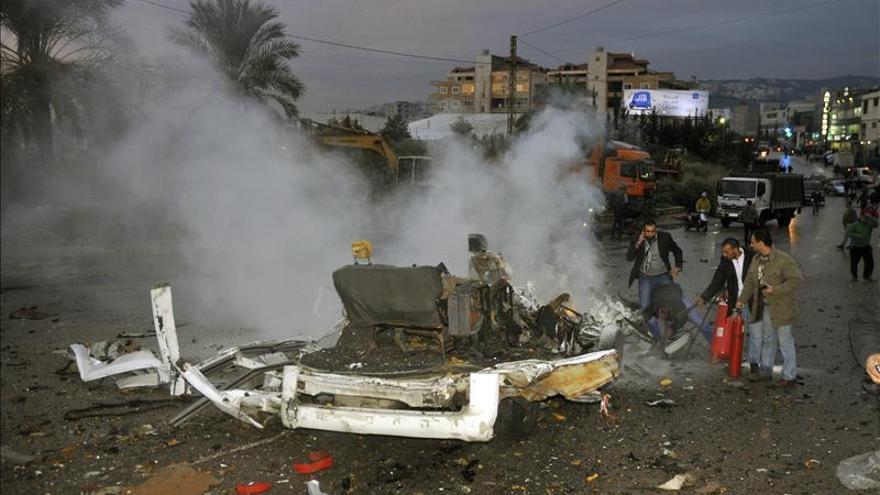 Tres militares libaneses heridos en una explosión en la frontera con Siria